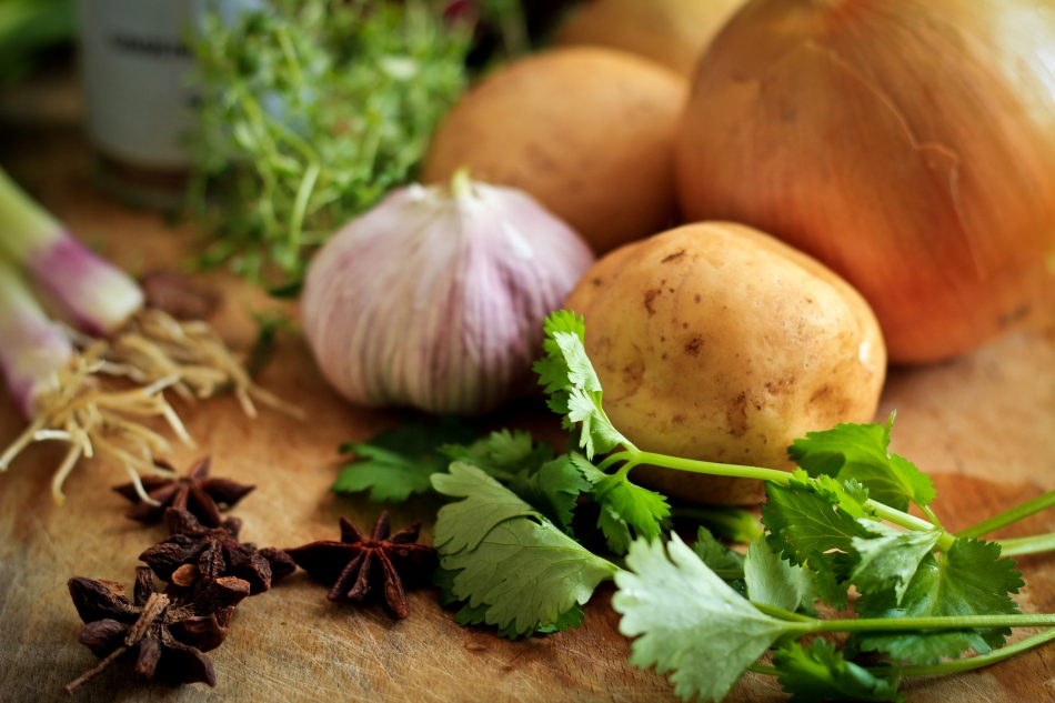 unsplash_vegetables_onion_garlic