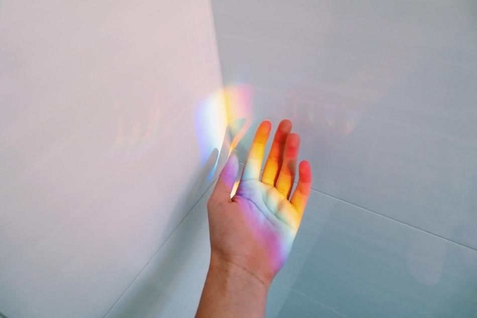 rainbow-hand