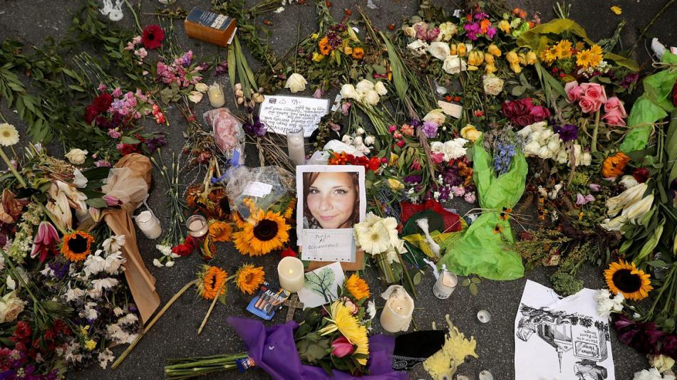 la-na-heather-heyer-memorial-pictures-20170816-006
