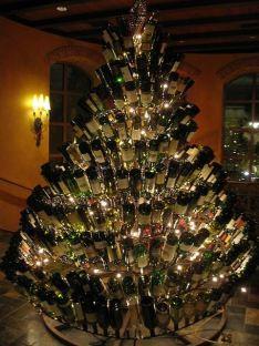wine-christmas-tree