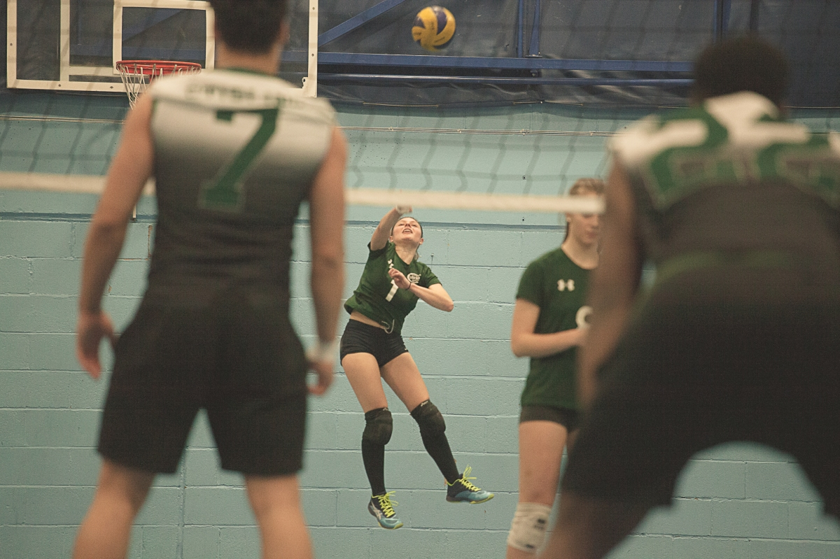 Volleyball destroy Clansmen in latest Versus matchup